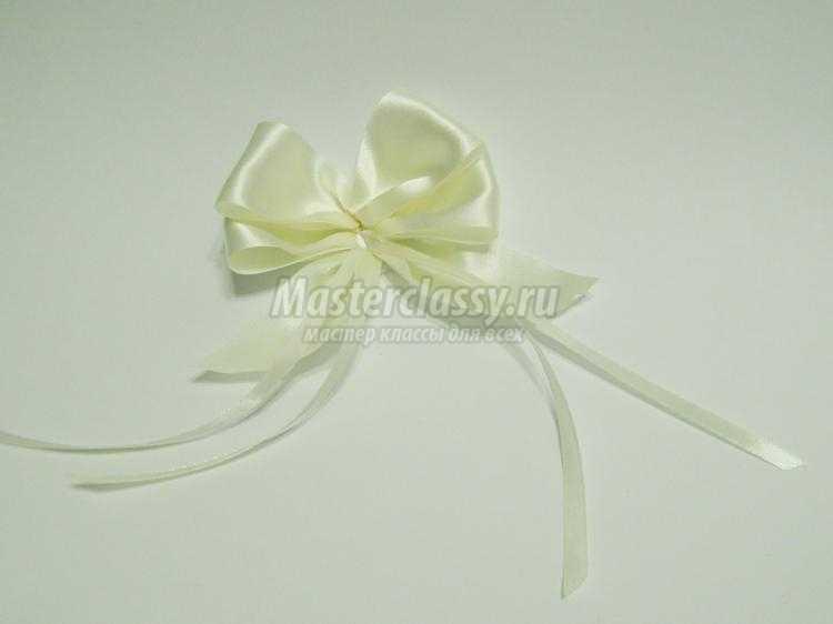 Бант-цветок из атласной ленты своими руками