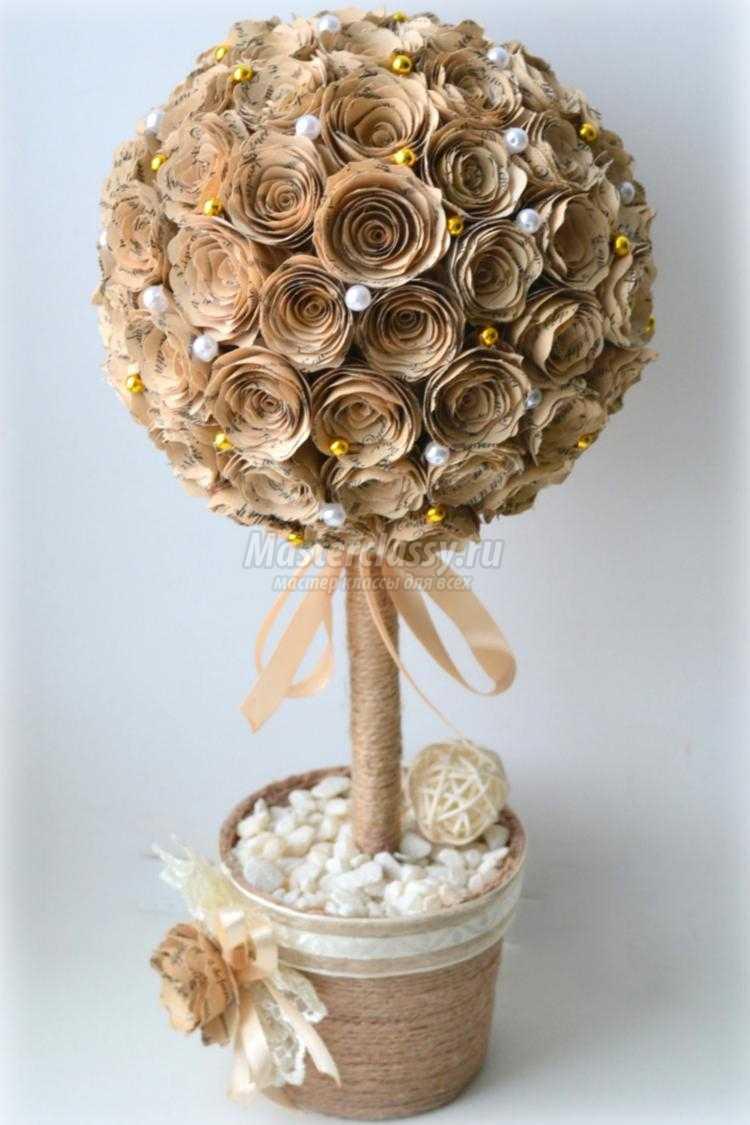 топиарий из бумажных роз
