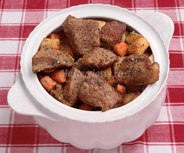 Рецепт ребрышек с картошкой в горшочке