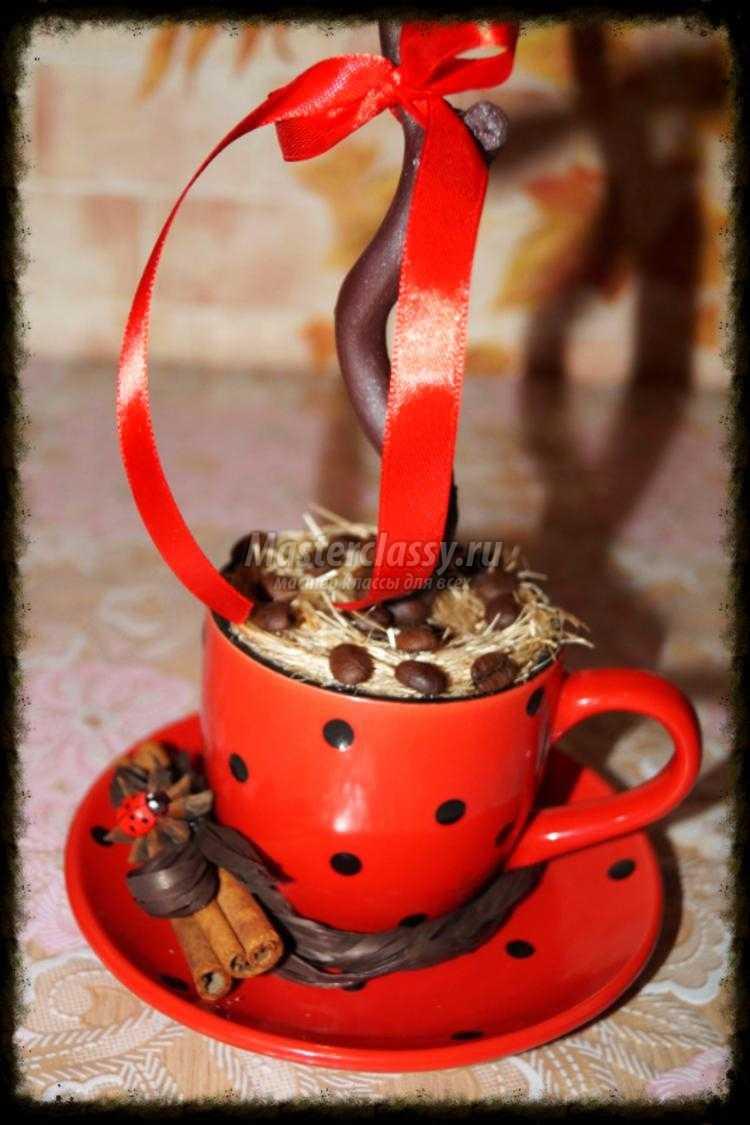 дерево из кофейных зерен и схемы