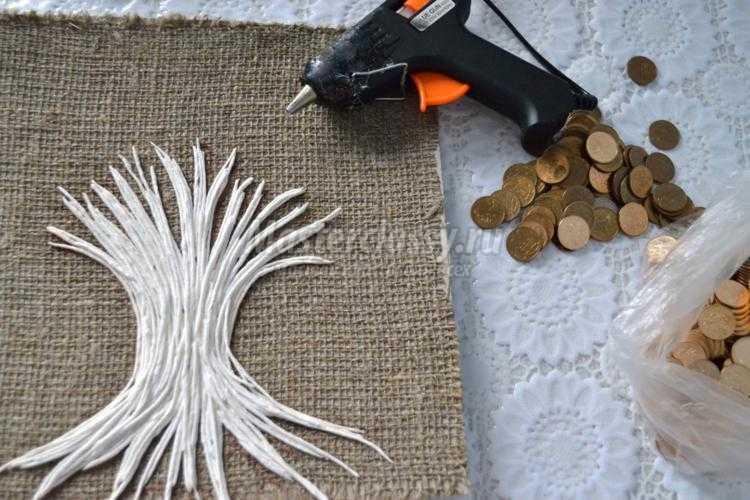 панно из монет. Денежное дерево
