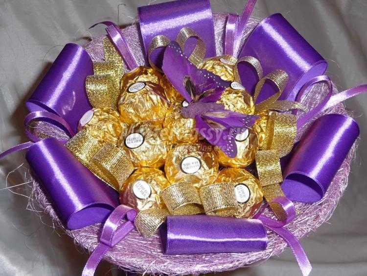 сладкий букет из конфет Ферреро