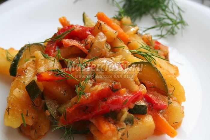 Как приготовить овощное рагу с картошкой
