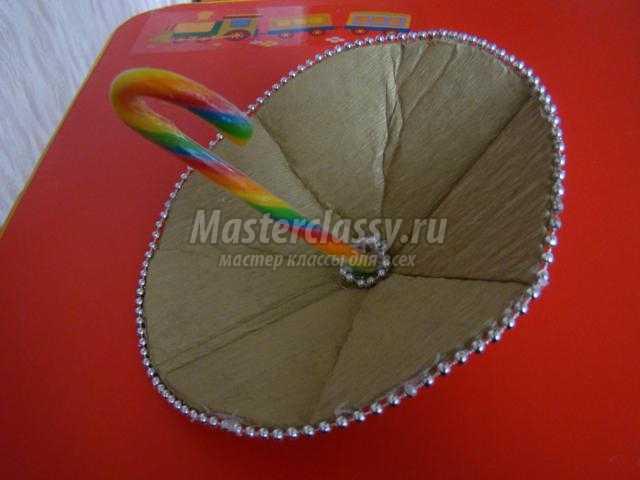 Как сделать зонтик из бумаги и конфет