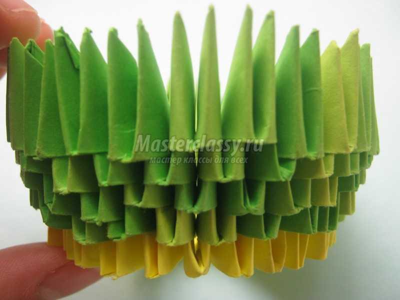 конфетница в технике модульное оригами