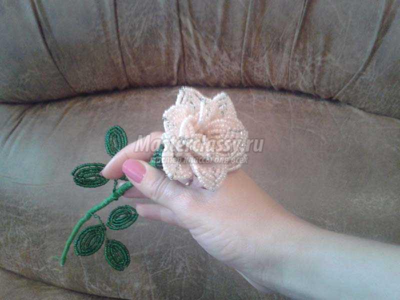 Лепестки из бисера пошаговое фото