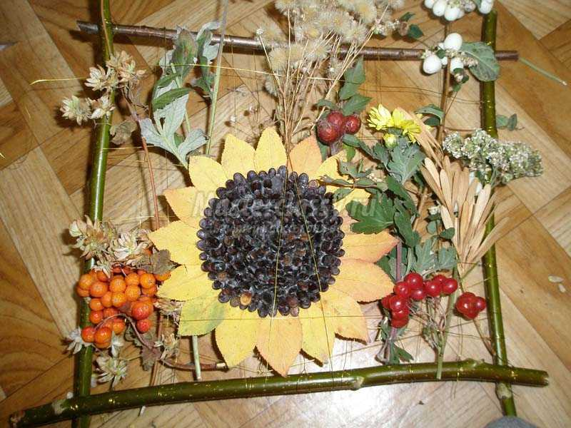 Поделка цветочная фантазия из природного материала 4