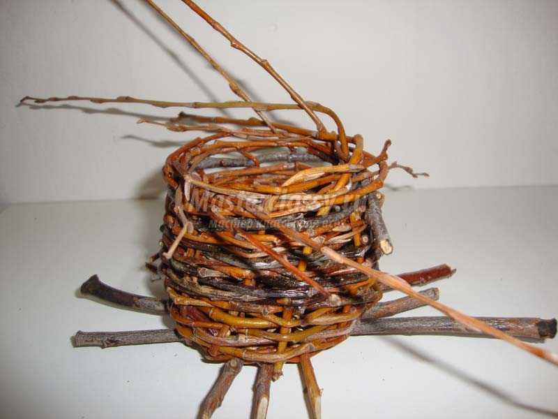 Поделки из веточек дерева 44