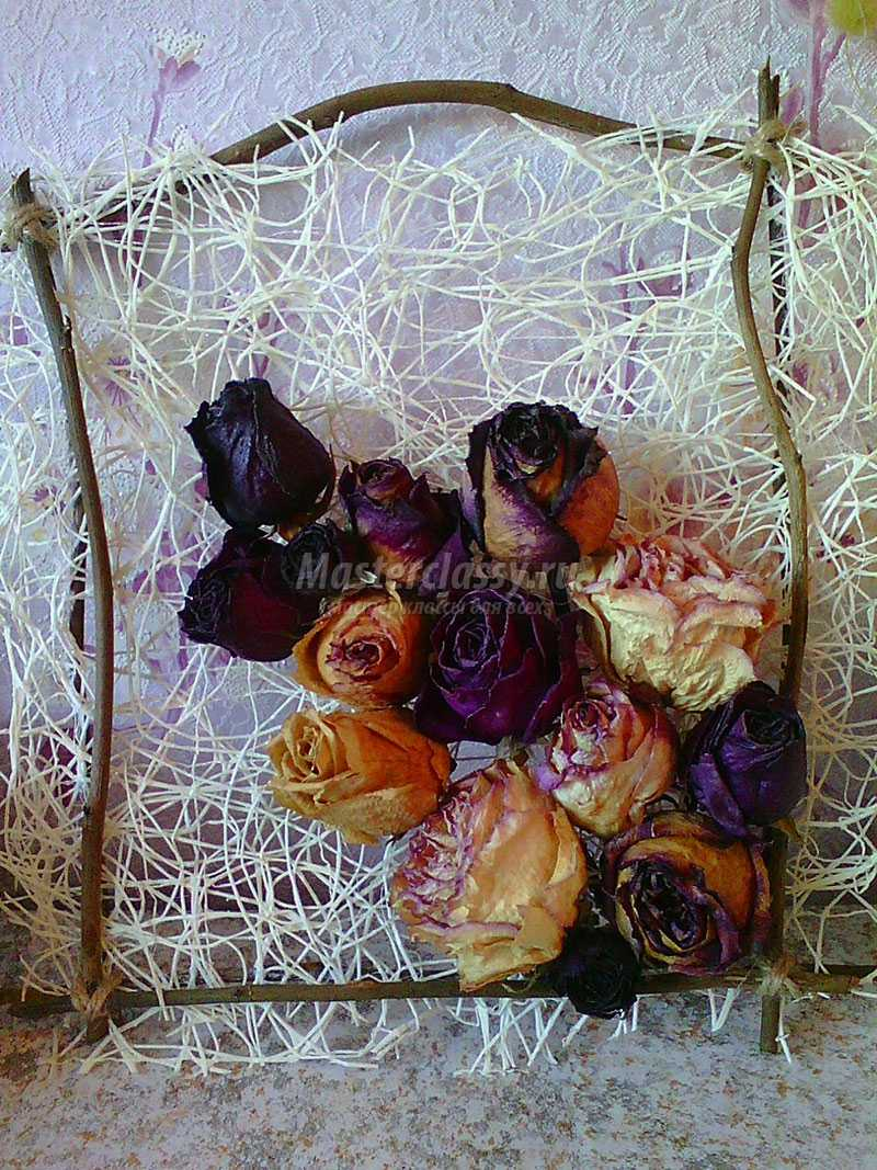 Панно с сухих роз своими руками