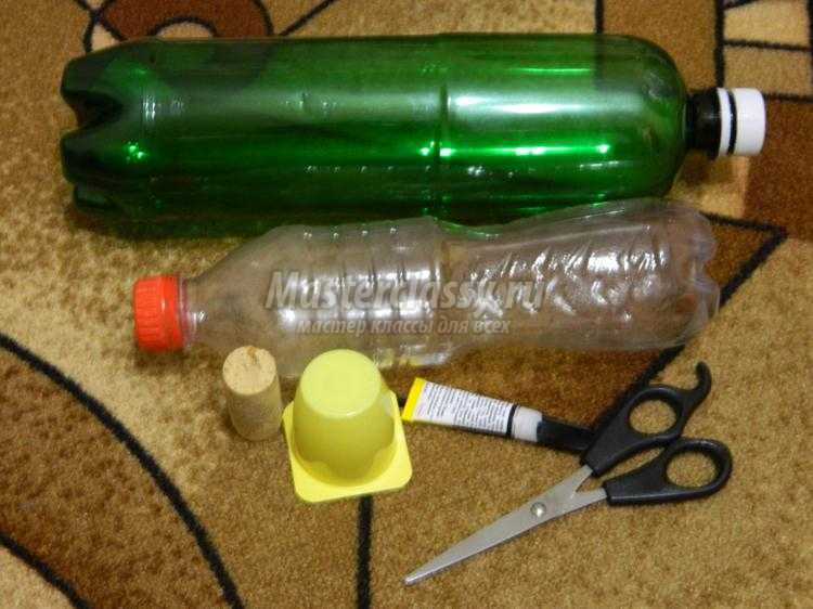 елка из пластиковых бутылок