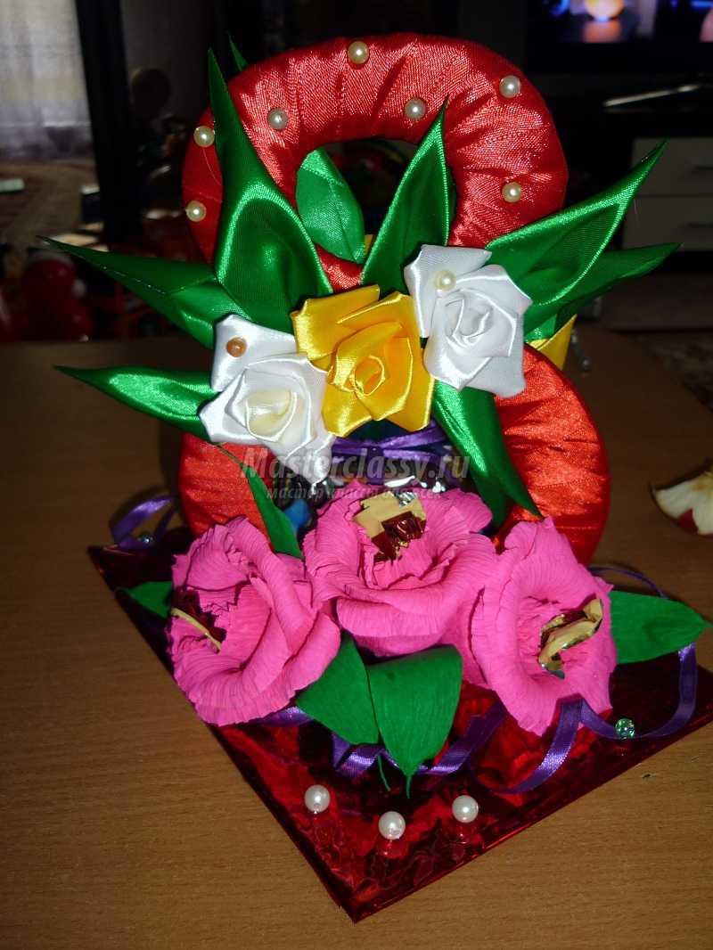 Подарки к 8 марта из лент своими руками