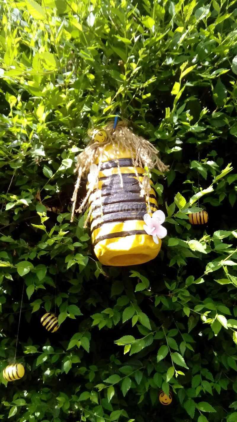 Пчелки из бутылок пластиковых фото