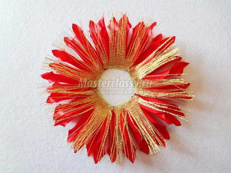 Как сделать хризантему из атласной ленты пошаговое
