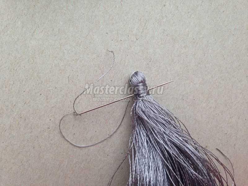 как сделать серьги кисточки из ниток