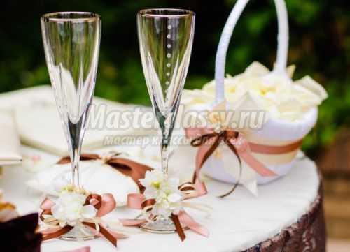 Свадебные бокалы своими руками: мастер-классы с фото