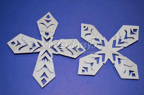 Мастер-класс «Объемные снежинки из квадратов» с пошаговыми фото
