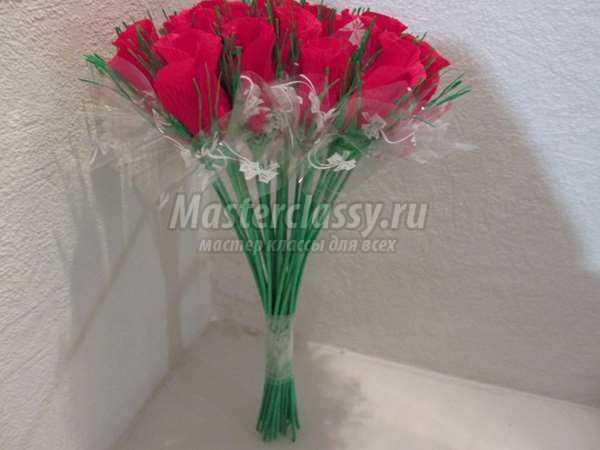 Сладкий букет алых роз: пошаговый мастер-класс с фото