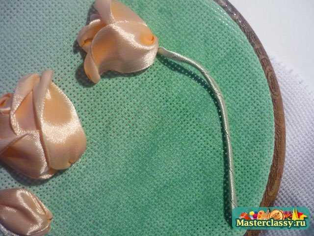 Вышивка лентами. Тюльпаны