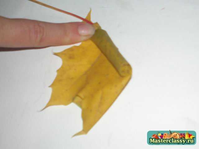 Букет из листьев клена на тему осень 3