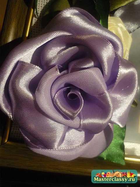 вышивка лентами розы из лент