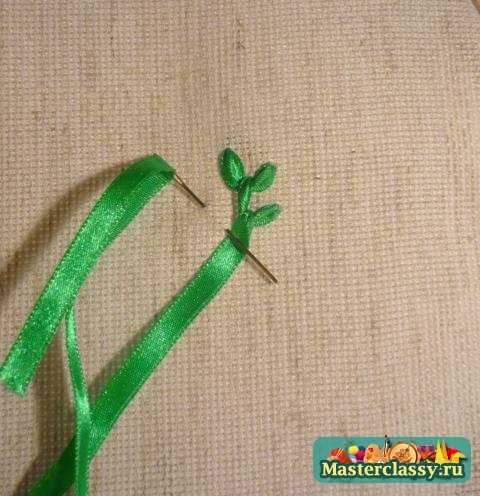 Вышивка лентами для начинающих. Листья