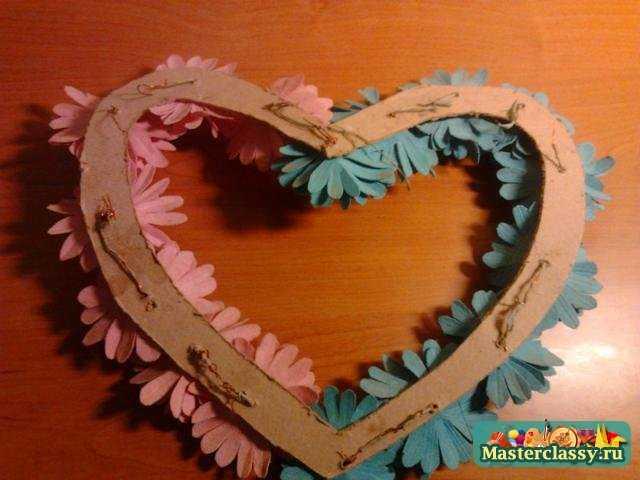 Поделки из картона и бумаги. Сердце из роз. Мастер класс