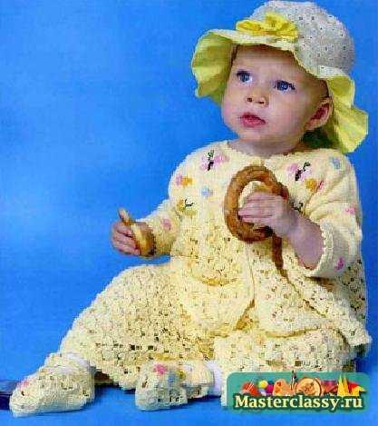 Вязание спицами. Желтый костюм для девочки
