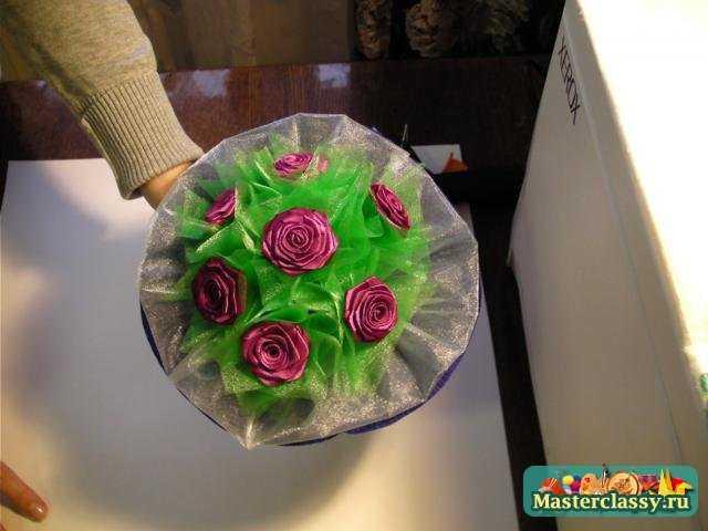 Букет роз из атласной ленты. Мастер класс