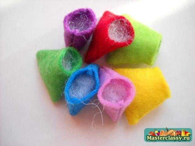 Детские игрушки из фетра своими руками. Браслет - погремушка. Цветик - семицветик. Мастер класс
