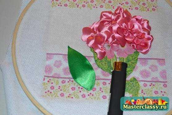 Вышивка лентами. Розовая гортензия. Мастер класс с фото