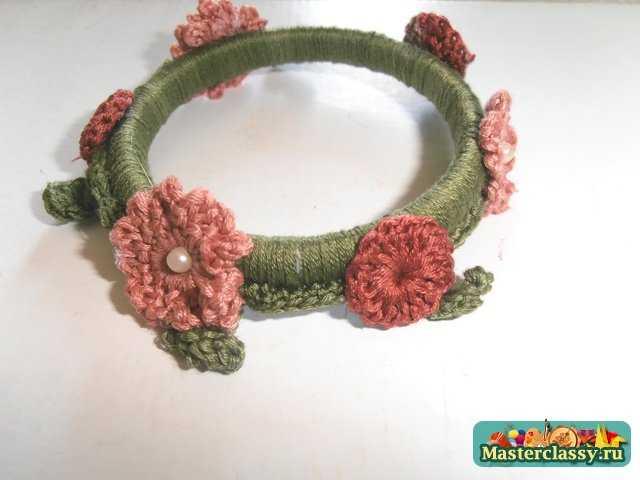Браслет вязаный крючком с цветочными мотивами. Мастер класс с пошаговым фото