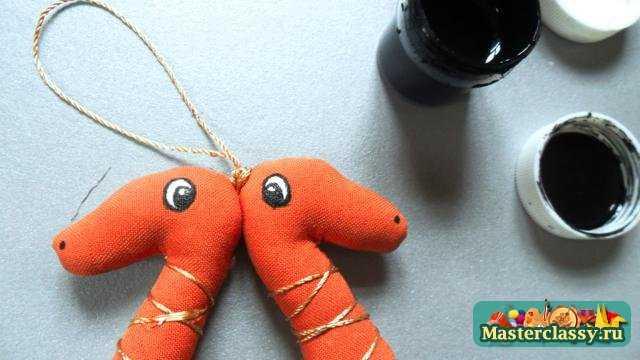 Новый год своими руками. Елочная игрушка - Змея. Мастер класс с фото