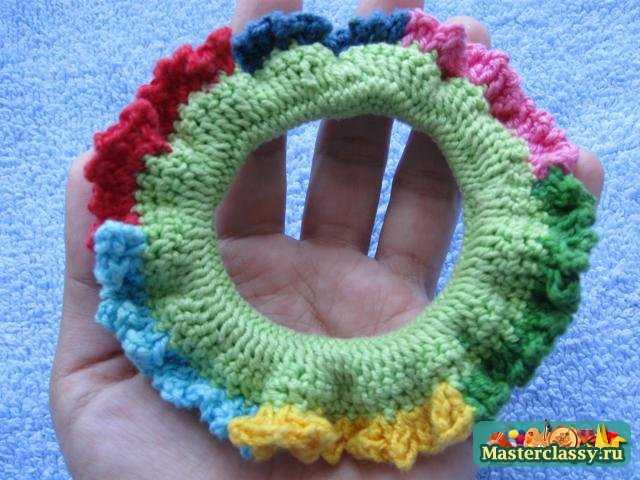 Разноцветная резинка на волосы. Мастер класс с пошаговыми фото