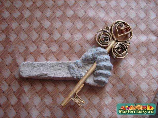 Золотой ключик из картона своими руками