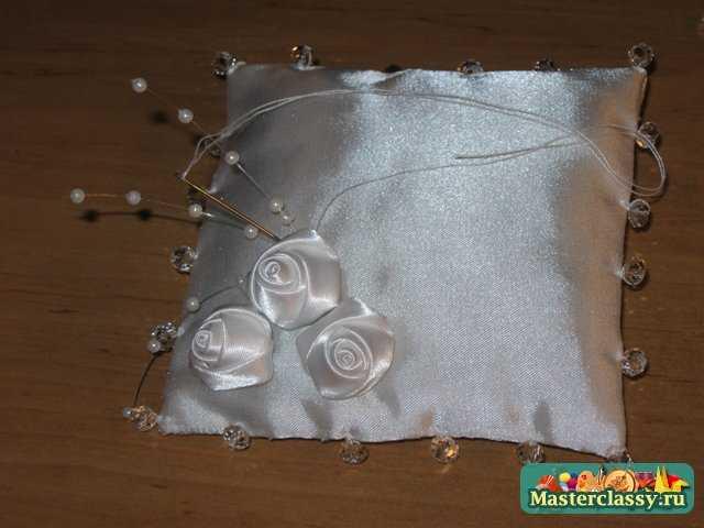 Свадебная подушка для колец молодожен. Мастер класс