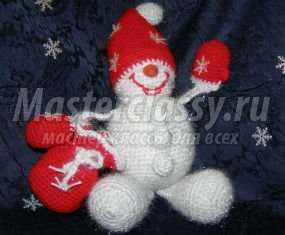 1353439227_anons40x480 Снеговик своими руками на Новый год из подручных материалов