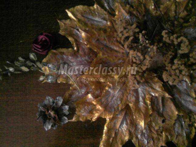 новогоднее панно из осенних листьев. А мне вчера приснилась осень