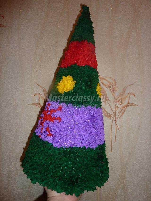 новогодняя елка в технике торцевание