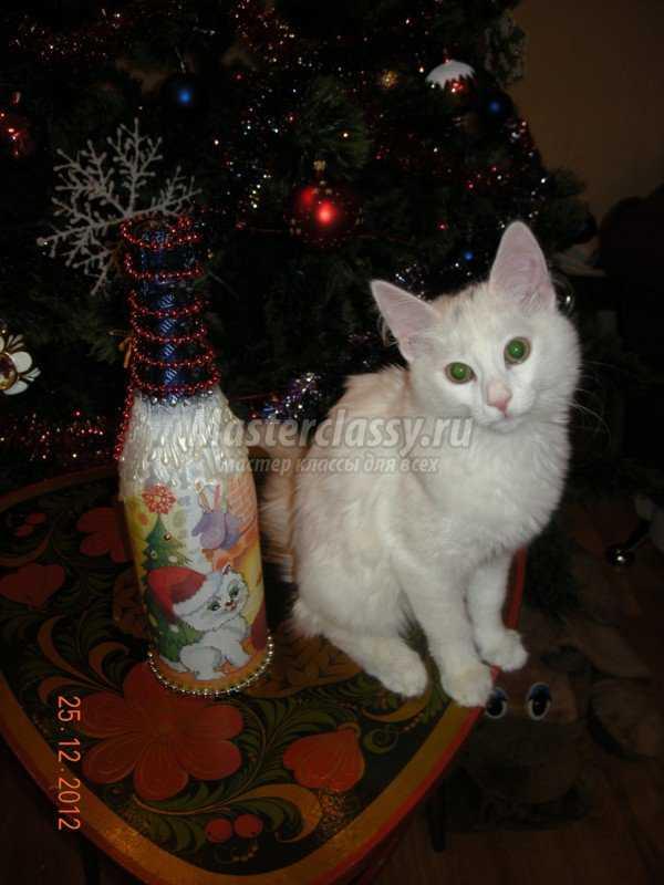 Декупаж. Новогодняя бутылочка