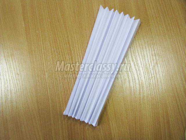 поделки из бумаги. Объемная снежинка