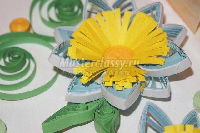 квиллинг картина с объемными цветами