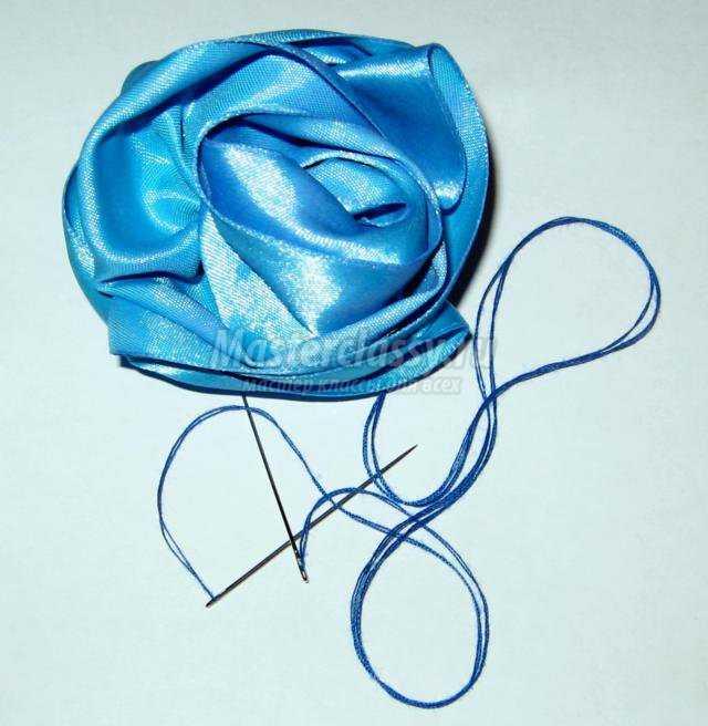 цветы из атласной ленты. Роза