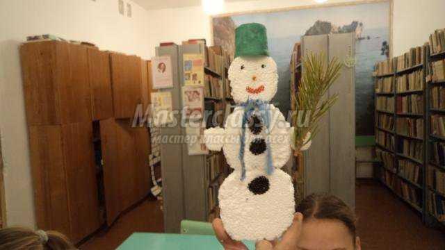 зимние поделки. Снеговик из пенопласта