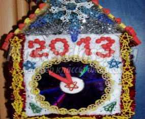 Детская поделка на новый год из макарон