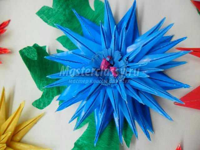 панно к 8 Марта из бумаги. Любимые цветы
