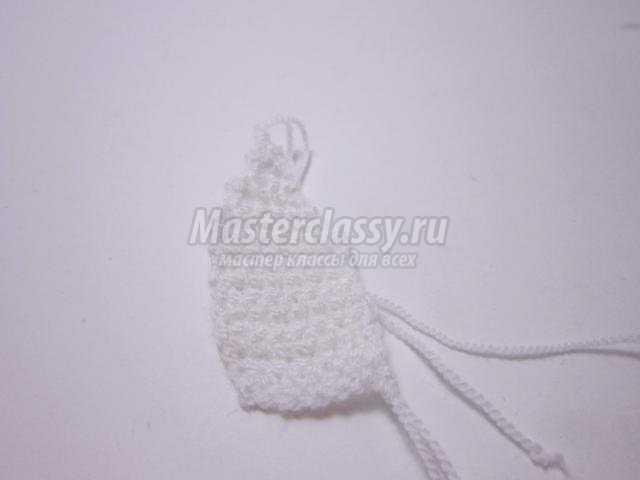 вязание пасхального зайца для яиц