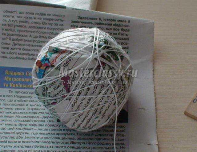 плетение газетными трубочками. Стенд