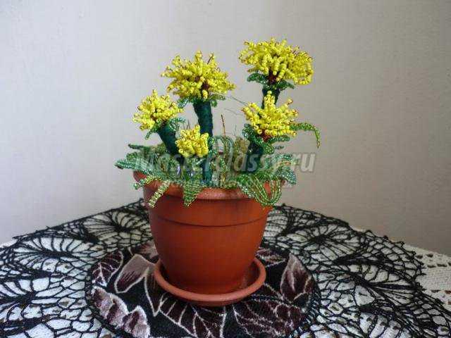 цветы из бисера. Одуванчики
