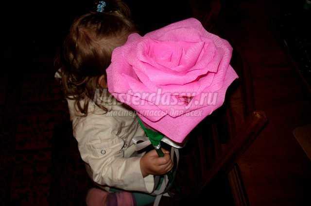 Большая роза из салфеток своими руками пошаговое 56