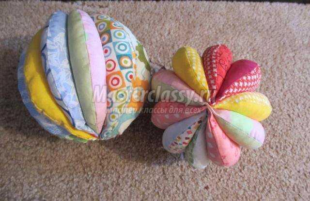 Мячик из ткани для малышей